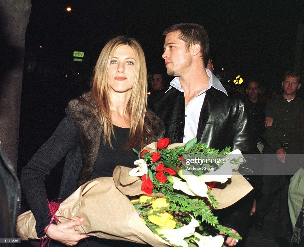 Mr. & Mrs. Brad Pitt : News Photo