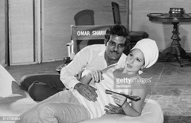 While the Middle East situation goes from worse to even worse Omar Sharif and Barbara Streisand reherse for the film version of Funny Girl with no...