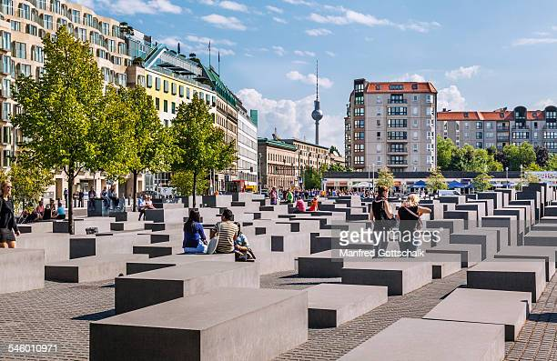 holocaust memorial berlin - central berlin stock pictures, royalty-free photos & images