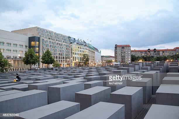 holocaust memorial in berlin - holocaust stock-fotos und bilder