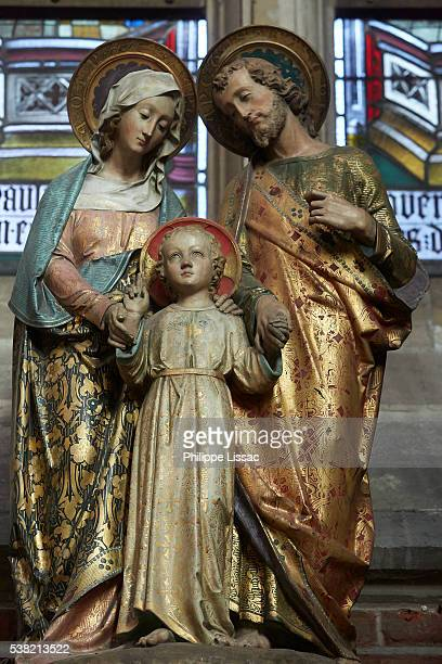 holy family statue in saint nicholas's cathedral, ghent - holy family jesus mary and joseph stock photos and pictures