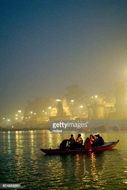 holy ghats at haridwar, india - haridwar stock pictures, royalty-free photos & images