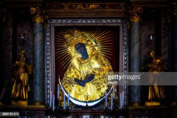 リトアニア、ヴィリニュスの神フレデリックの母の神聖なアイコン