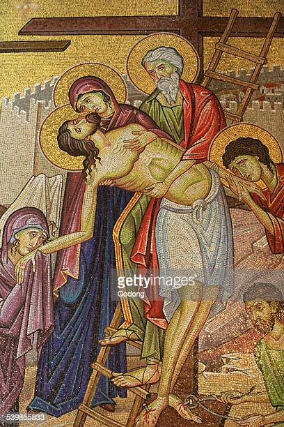holy sepulchre art - pieta stock pictures, royalty-free photos & images