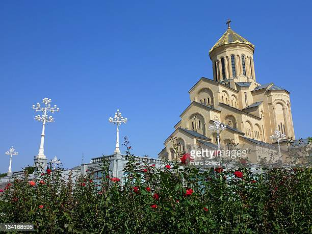holy trinity cathedral in tbilisi, georgia - frans sellies stockfoto's en -beelden