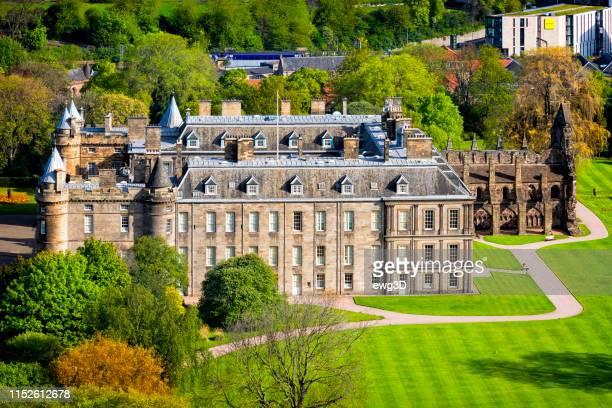 palácio de holyrood, edimburgo, scotland, reino unido - palácio - fotografias e filmes do acervo