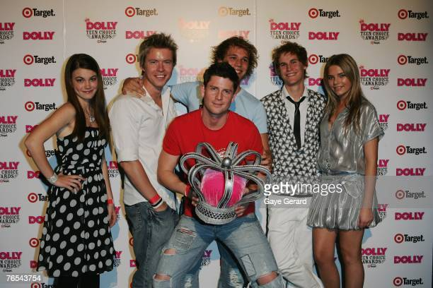 Home and Away cast members celebrate their win on stage at the Dolly Teen Choice Awards at Luna Park on September 5 2007 in SydneyAustralia
