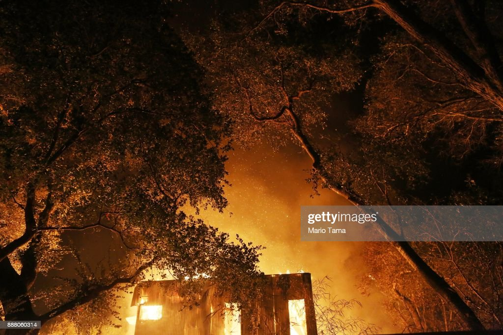 Southern California Wildfires Forces Thousands to Evacuate : News Photo