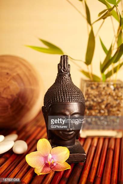 Wohndekoration Stillleben mit Bambus in vase und buddha