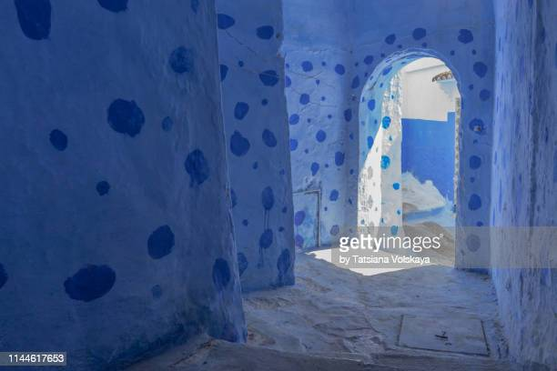 home decoration inside a house in chefchaouen blue city, morocco - chefchaouen photos et images de collection