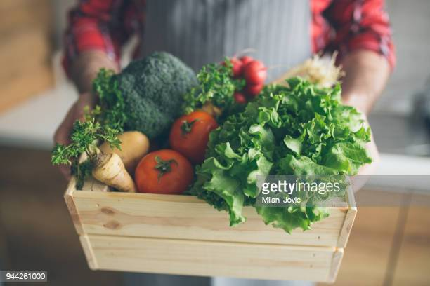 home delivery of fresh vegetables from the market - grocery delivery stock pictures, royalty-free photos & images