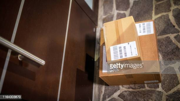 home delivery - home delivery stock pictures, royalty-free photos & images