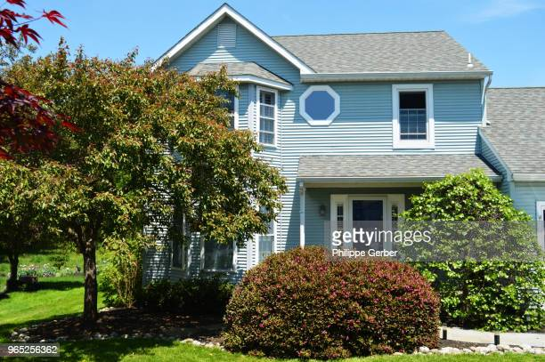home exterior - front yard - mid atlantic usa stock pictures, royalty-free photos & images