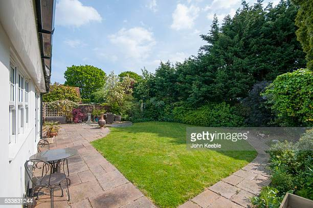 home extior & interiors - front or back yard stock pictures, royalty-free photos & images