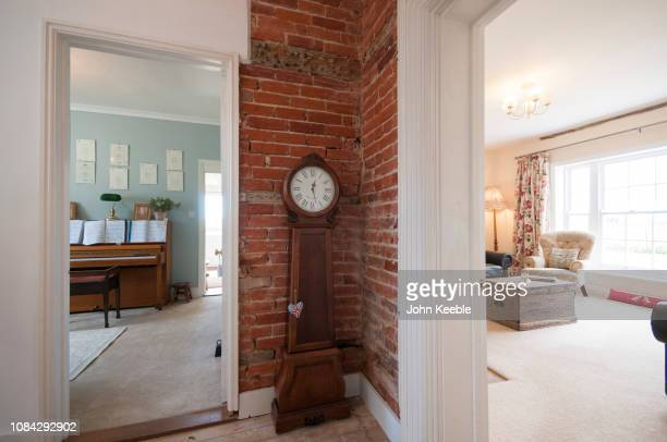 503 Grandfather Clock Photos And Premium High Res Pictures Getty Images