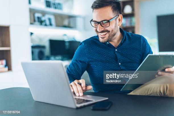 home office - trabalhador de colarinho branco - fotografias e filmes do acervo