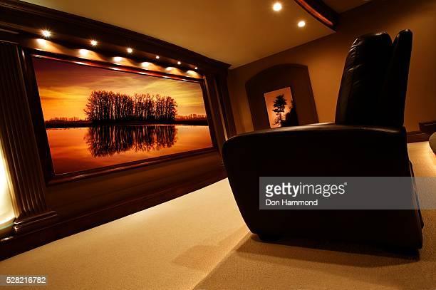 home theater - 大型テレビ ストックフォトと画像