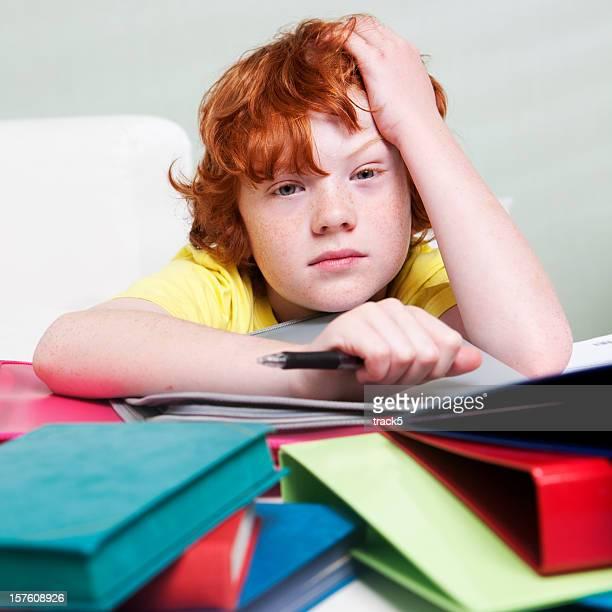 La Professeur à domicile: Écolier garçon marre de ses devoirs