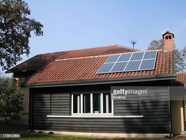 Su hogar lejos del hogar con paneles solares