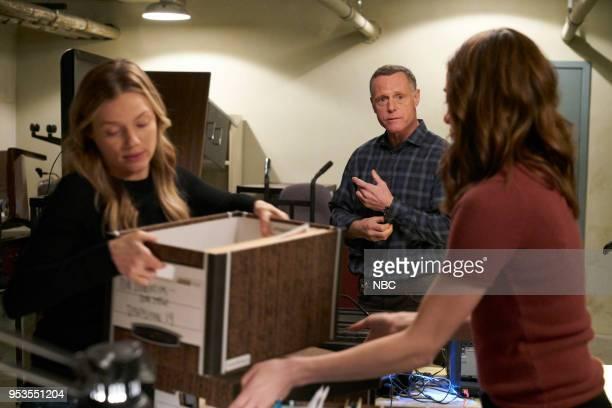 D Homecoming Episode 522 Pictured Tracy Spiridakos as Hailey Upton Jason Beghe as Hank Voight Marina Squerciati as Kim Burgess