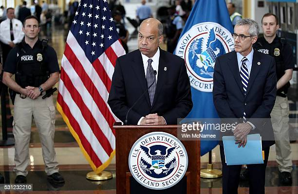 S Homeland Security Secretary Jeh Johnson delivers remarks at Ronald Reagan National Airport May 13 2016 in Arlington Virginia Johnson discussed...