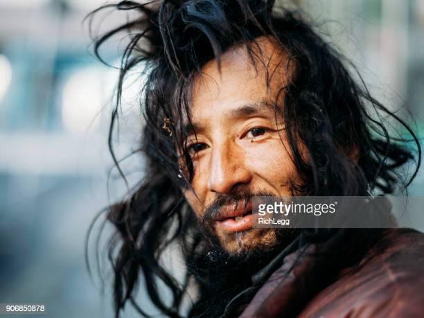 東京のホームレスの男性 - ホームレス ストックフォトと画像