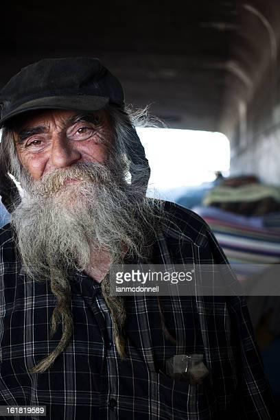 ホームレスの男性は、