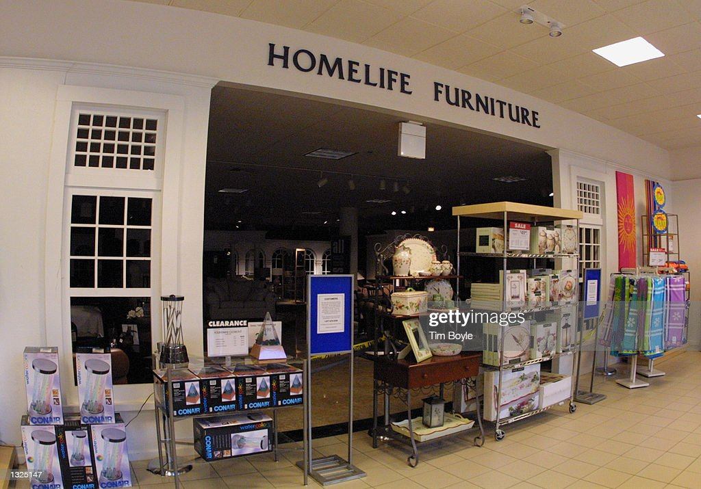HomeLife Furniture Store Sits Dark And Closed July 11 2001 At Woodfield  Mall In Schaumburg IL