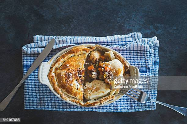home-made beef and vegetable pie - catherine macbride stockfoto's en -beelden