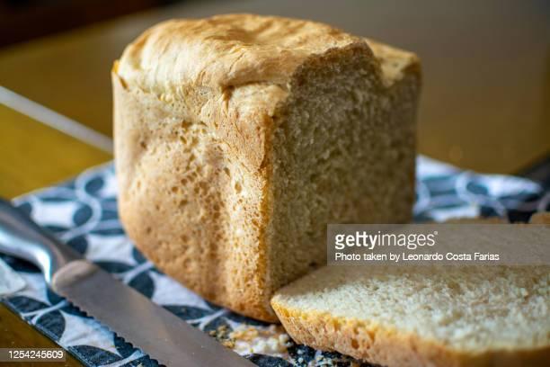 homemade bread - leonardo costa farias - fotografias e filmes do acervo