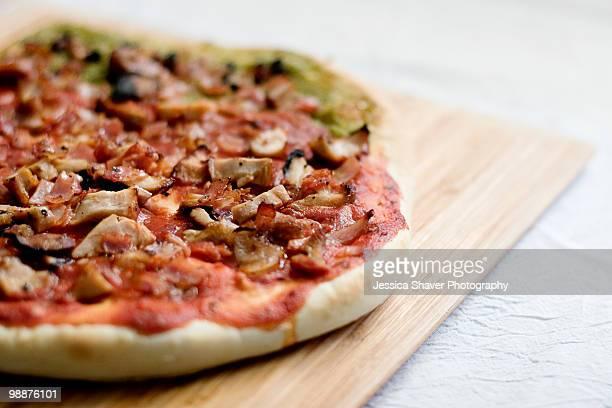 homemade cheeseless pizza