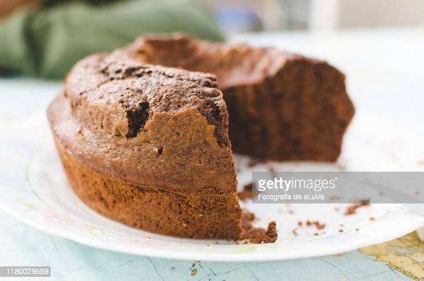 homemade chocolate pie - sponge cake stock pictures, royalty-free photos & images