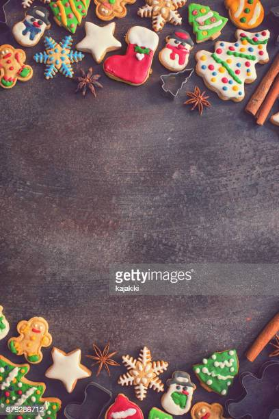homemade christmas gingerbread cookies - christmas background stock photos and pictures
