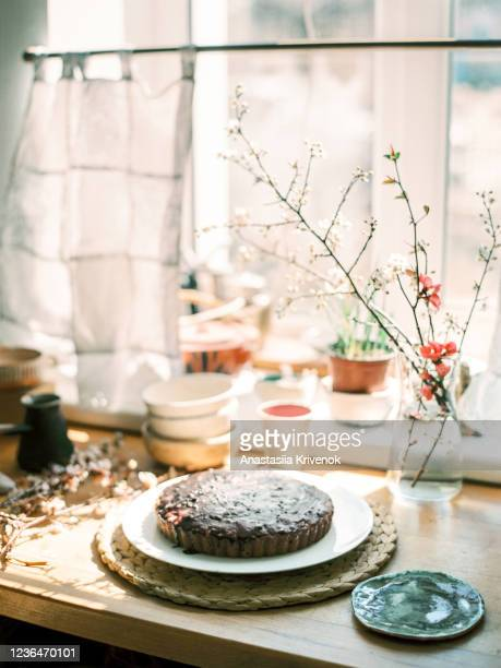 homemade pie on wood table on home kitchen. - magnoliophyta foto e immagini stock