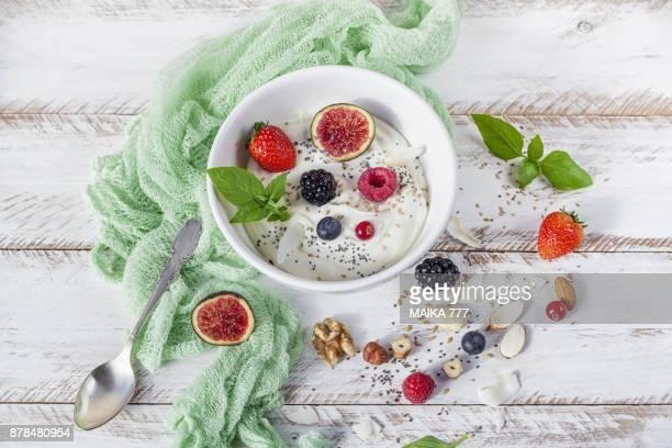 homemade vegan greek yogurt - nut food fotografías e imágenes de stock