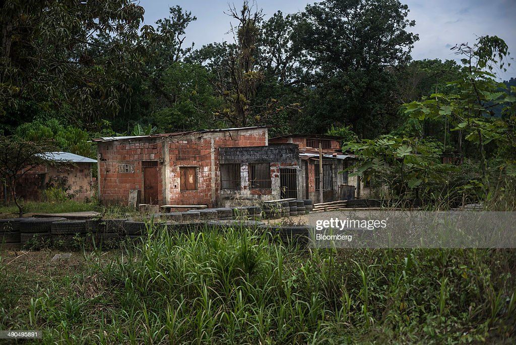 Homes made of cinder blocks are seen during a visit by Henrique Capriles, governor of the state of Miranda and a former presidential candidate in the last two elections, not pictured, in Barlovento, Venezuela, on Saturday, May 10, 2014. Barlovento, Venezuela, on Saturday, May 10, 2014. Capriles, one of the leaders of the Democratic Unity Roundtable, known as MUD, an alliance which opposes Venezuelan President Nicolas Maduro, said talks with the government scheduled for May 8 were canceled because they 'haven't produced any result up to now.' Photographer: Meridith Kohut/Bloomberg via Getty Images