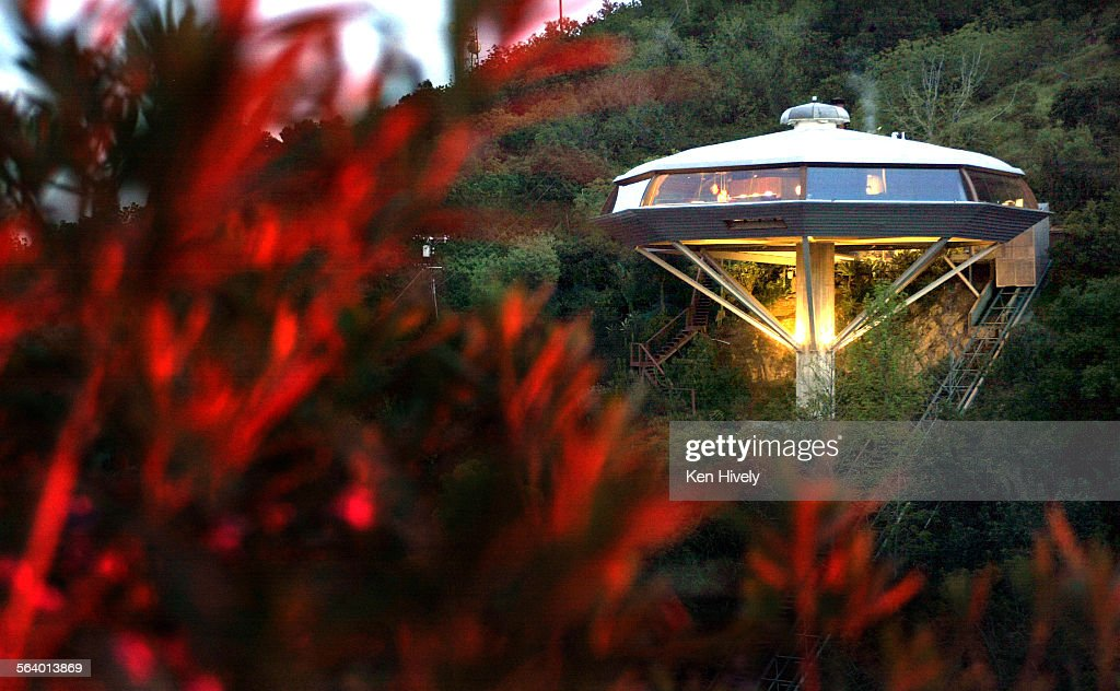Stupendous Homesection Cover On Chemosphere House A Mostly Glass Download Free Architecture Designs Xerocsunscenecom