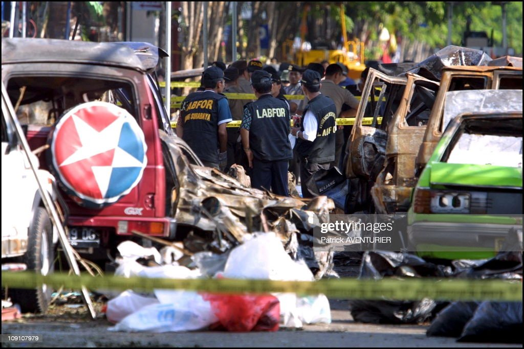 Hommage To October 12 Car-Bombing Victims In Bali On October 15Th, 2002 In Bali, Indonesia. : ニュース写真