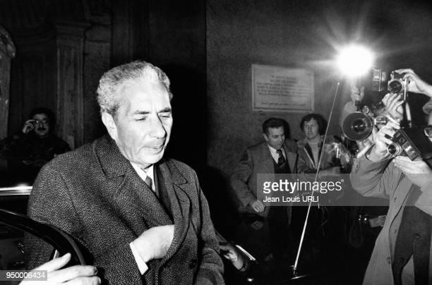 L'homme politique Aldo Moro arrivant à une réunion du parti Démocratie chrétienne dans les années 1970 à Rome Italie