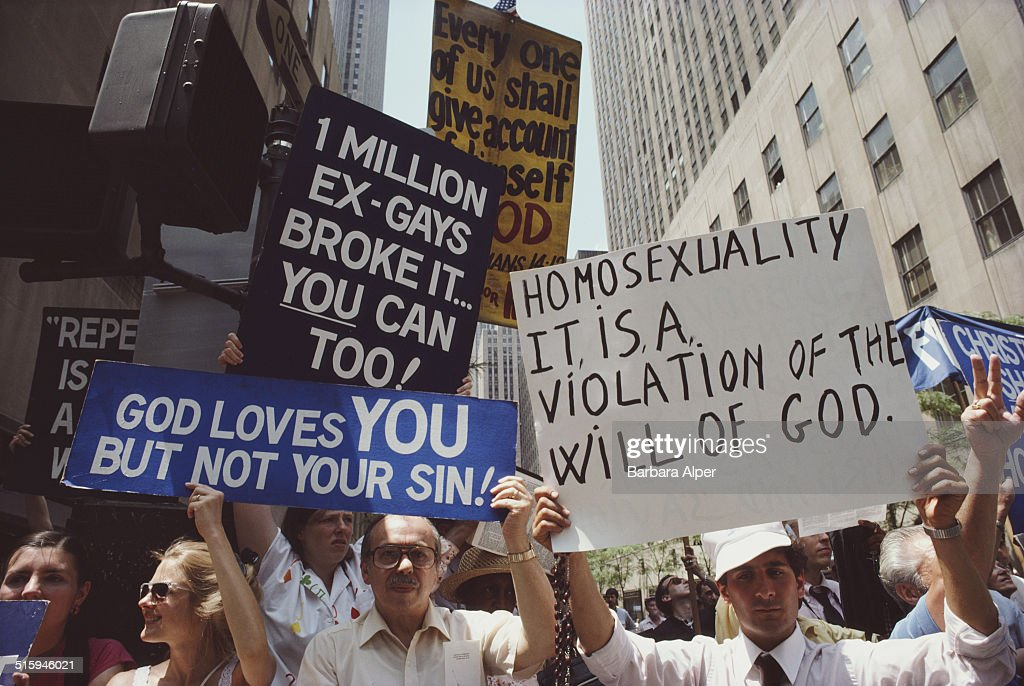 Gay Pride Day Protest : News Photo