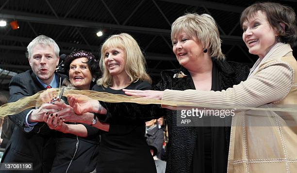 Hon Ralph Montagu British actress Eunice Gayson Swedish actress Britt Ekland British actress Jenny Hanley and British actress Madeline Smith pose for...