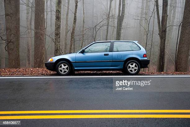 1991 honda civic hatchback on side of road - honda civic stock pictures, royalty-free photos & images