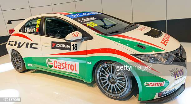 honda civic wtcc race car at the motor show - honda civic stock pictures, royalty-free photos & images