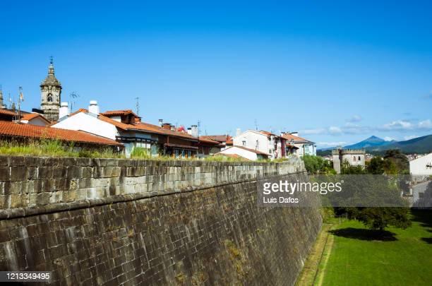 hondarribia, city walls - オンダリビア ストックフォトと画像