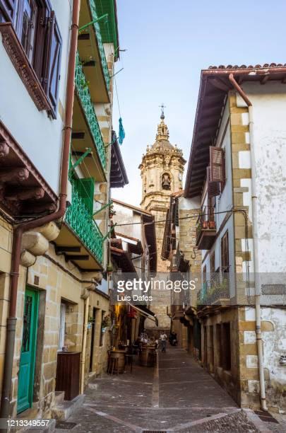 hondarribia, old town - オンダリビア ストックフォトと画像
