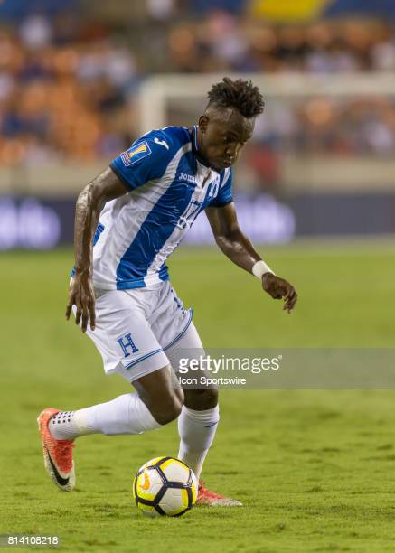 Honduras forward Alberth Elis moves the ball down the pitch during the CONCACAF Gold Cup Group A match between Honduras and French Guiana on July 11...