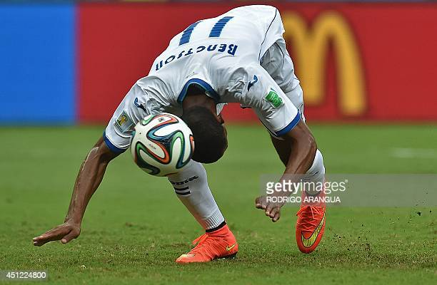 Honduras' forward Jerry Bengtson heads the ball during a Group E football match between Honduras and Switzerland at the Amazonia Arena in Manaus...