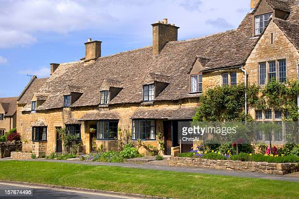 Honey coloured stone cottages in Broadway,  Worcestershire, Cotswolds, UK