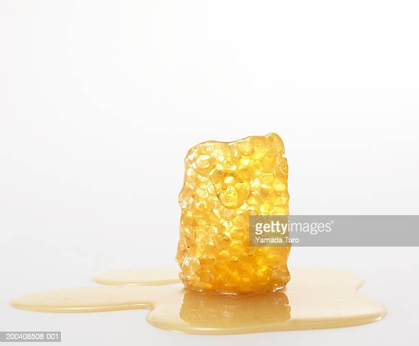 honey cone - honeycomb stock pictures, royalty-free photos & images