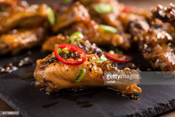 honey serrano chicken wings - chicken wings stock pictures, royalty-free photos & images